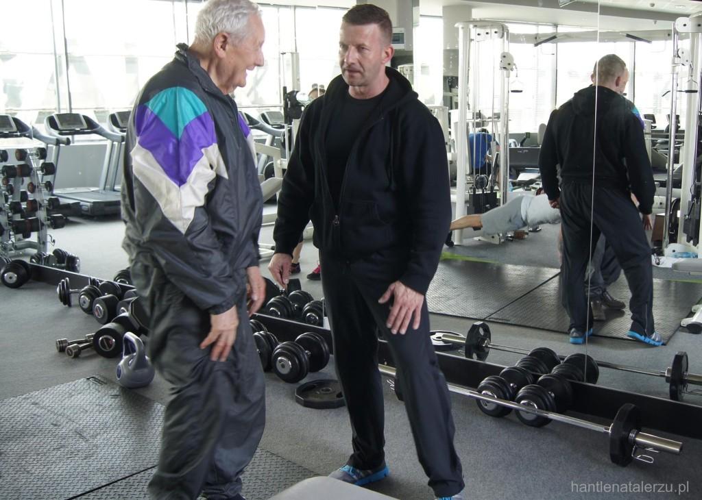 Rozmowa na siłowni między seriami